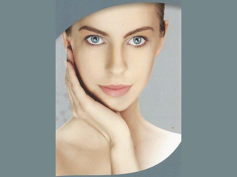 Rassodare il viso: trucchetti e consigli