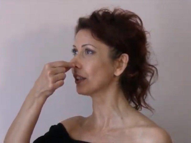Alzare la punta del naso: esercizi utili