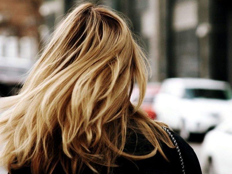 Cosa rovina i capelli?