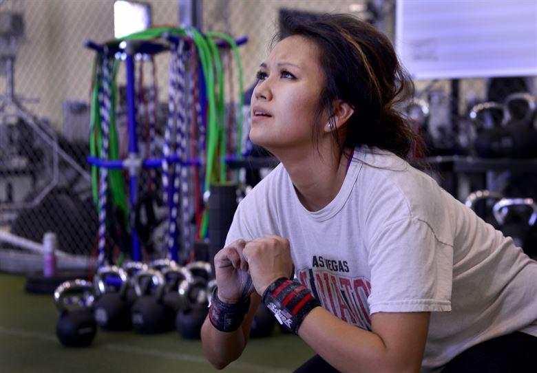 Come allenarsi con i pesi: carico, serie e ripetizioni